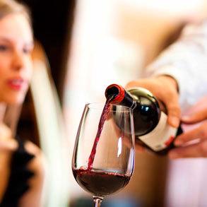 Vino tinto: conoce las variedades que puedes incluir en tu negocio