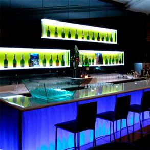 La iluminación elegida para un bar puede ser un factor de su éxito