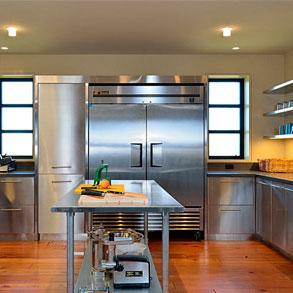 Secretos de limpieza para mobiliario y utensilios de acero inoxidable