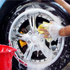 Usar el producto adecuado para lavar las ruedas