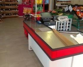 Mostradores para Tiendas.Mostrador para supermercado de 1660x1100 color rojo