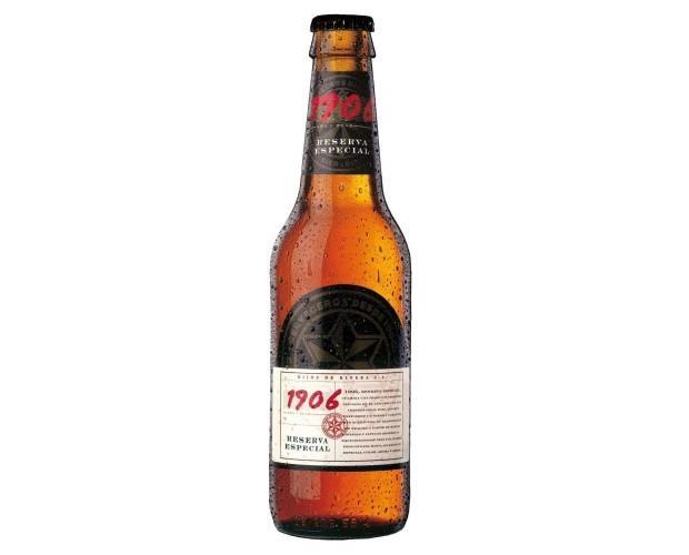 Botellas de Cerveza con Alcohol.De aroma limpio, franco e intenso de la malta tostada