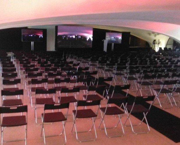 Sillas Congreso. Congreso, montaje de sillas en escuela