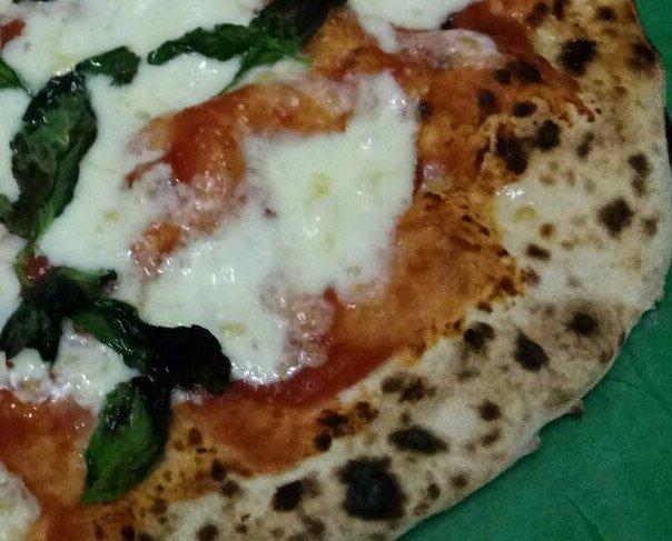 Pizzas personalizadas. Elaboración a gusto del cliente