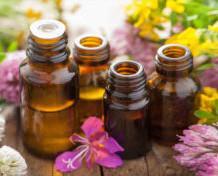 Aceites esenciales naturales. Aceites esenciales para tratamientos corporales, emocionales o físicos