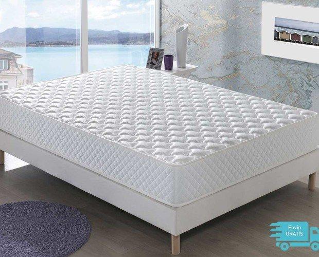 Colchón Menorca. Se trata de un colchón de 20 cm de altura y firmeza Media que combina viscoelástico