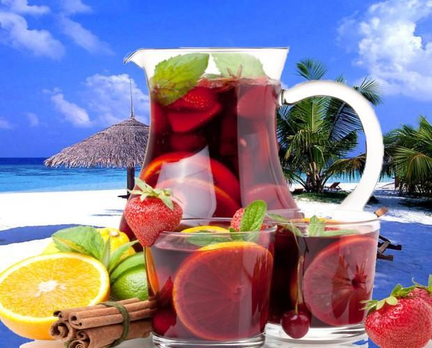 Sangría. Preparado de frutas congeladas para la elaboración de sangría. Sangría Mediterranea, Sangría Tropical, Sangría Frutas del Bosque.