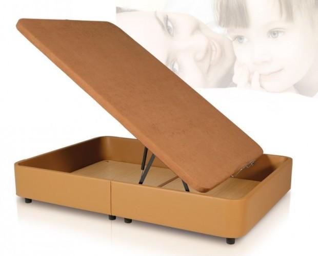 Canapé polipiel con tapa tapizada. Estructura: tubo de acero de 30*30*1