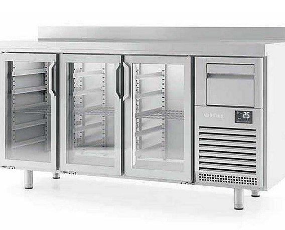 Frente refrigerado. Frente mostrador refrigerado de 1,5m y 2 tiradores