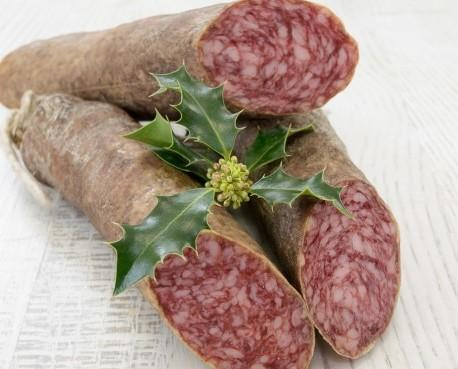 Salchichón cular de bellota. Embutido 100% natural sin ningún tipo de aditivo con carne de cerdos de bellota ibéricos usando tripa natural