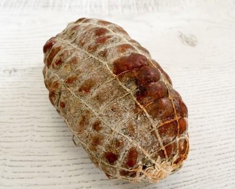 Morcón Ibérico Extra. Embutido en tripa gruesa natural esta fabricado con carne de cerdos de cebo ibérico