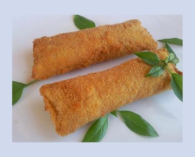 Flamenquin de Lomo. Flamenquin de lomo, Serrano, pimiento asado y huevo duro