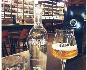 Botella para bares. Agua siempre a su disposición