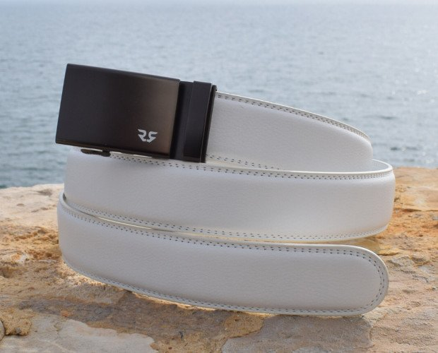 Cinturón Personalizable. Combina hebillas con distintos colores de correas para crear cinturones únicos