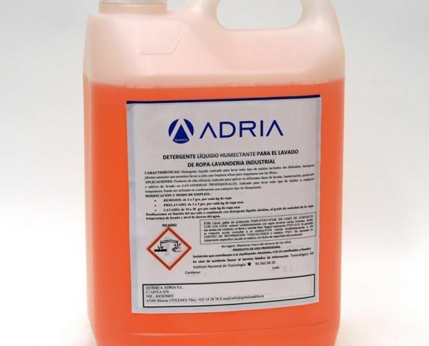 Detergente líquido humectante