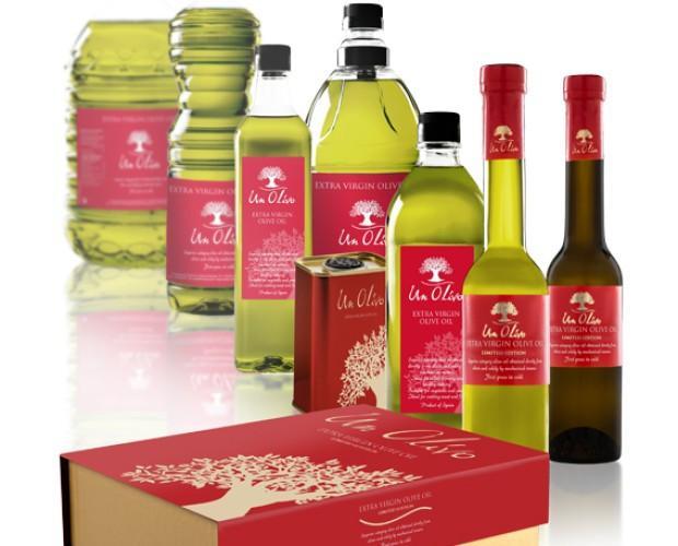 Bodegón AOVE. Aceite de oliva en diferentes formatos