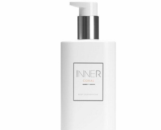 Perfume en crema. Envuelve suavemente la piel, la hidrata y la deja perfumada