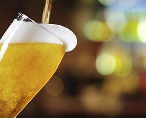 Cervezas. Disponemos de cervezas nacionales e internacionales