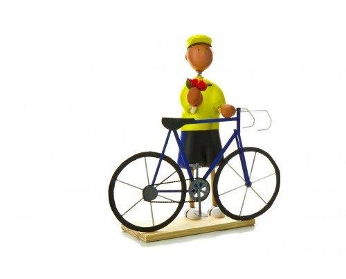 Figura de Ciclista. Detalle con bicicleta