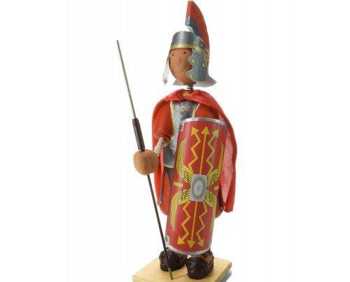 Estatuilla de Romano. Figura con detalles en rojo