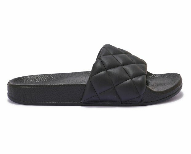 Sandalias planas en negro. Sandalias planas de piel. Color negro.