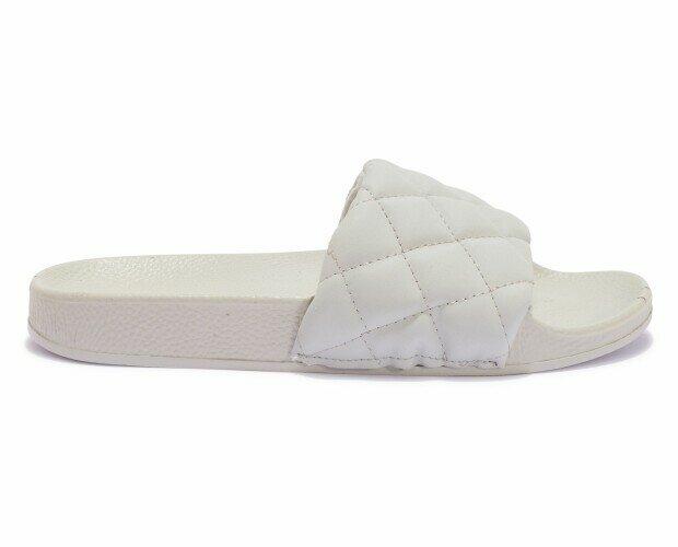 Sandalias planas blancas. Sandalias planas de piel. Color blanco.