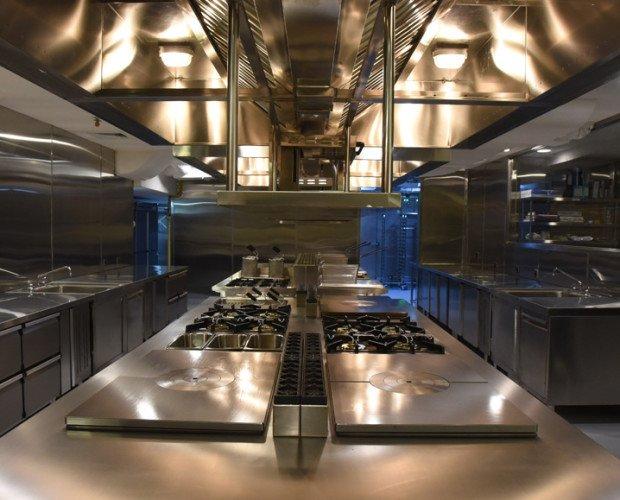Cocina Industrial. SURYA GROUP. Maquinaria Hostelería y Alimentación. Montaje Cocina industrial diseño.