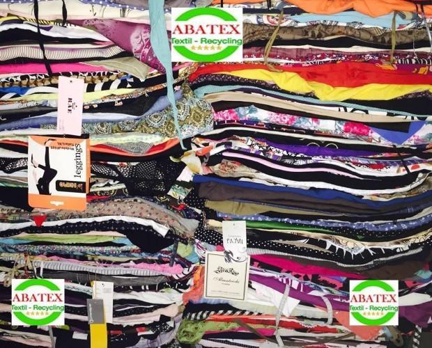 Ropa de Segunda Mano para Mujer.Reciclaje de textiles en todo el mudo