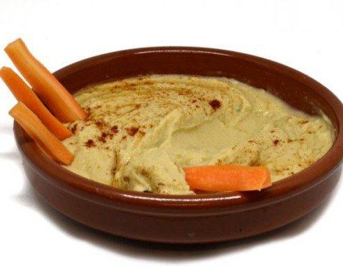 Hummus de garbanzos. Destacado en las dietas saludables.