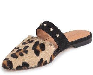 Sandalia. Sandalia piel potro, con serraje y tachas metalicas