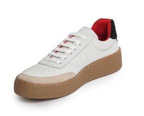 Zapatilla de Goma. Sneaker en serraje
