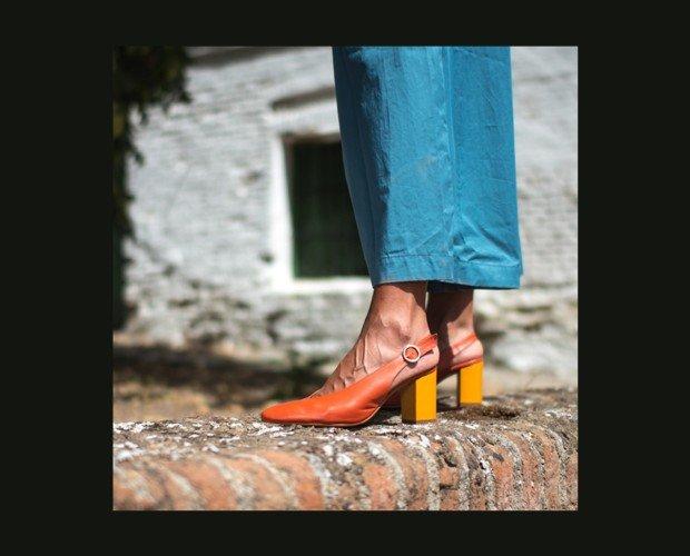 Sandalia de tacón. Tacón forrado en piel de 6,5 cm.