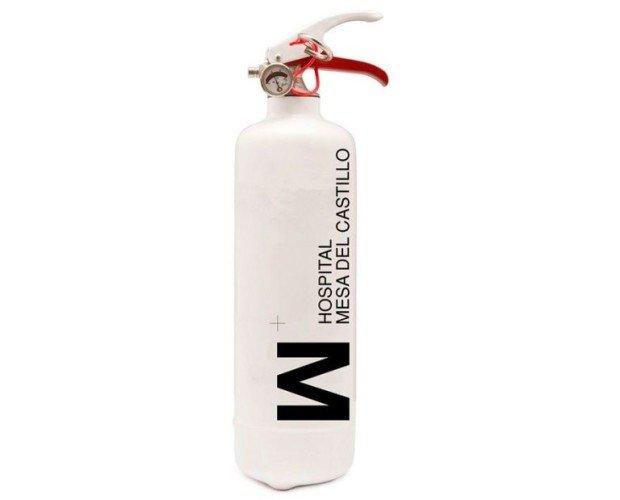 Extintor 1kg personalizado. Extintor 1kg pintado en blanco y personalizado con logo de empresa.