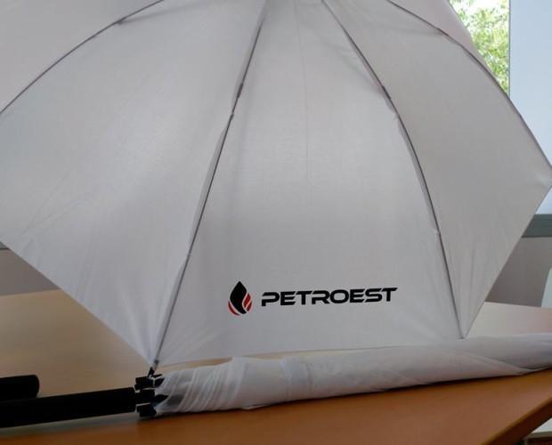 Publicidad en Ferias.Paraguas personalizados para merchandising