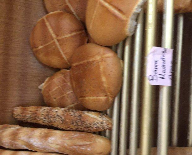 Panes artesanales. Fabricación diaria de calidad