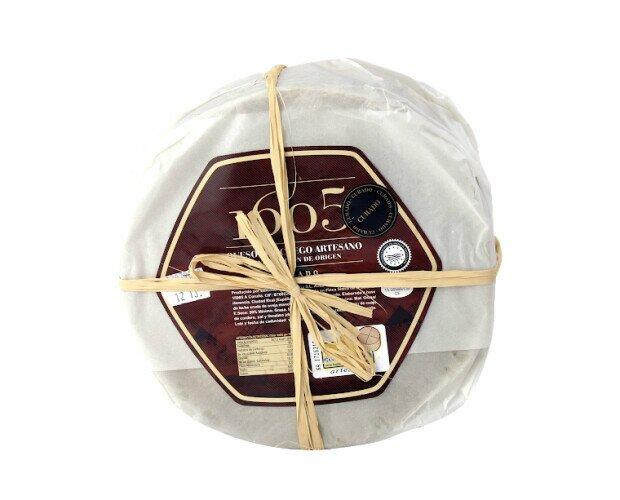 Queso Manchego 1605. Producto 100% artesano, elaborado con leche de oveja