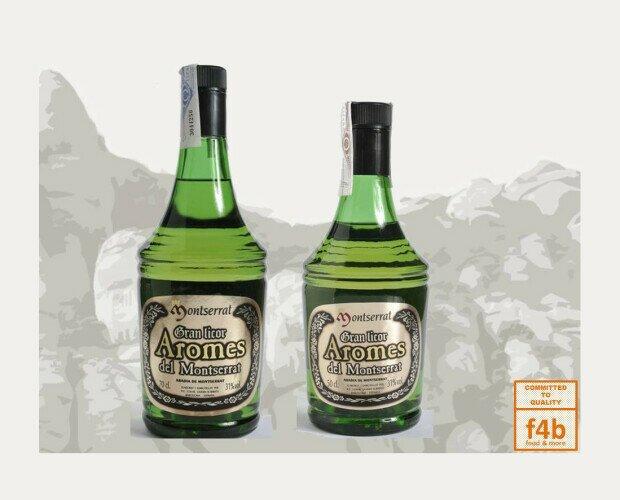 Licores Montserrat. Se elabora a partir de agua, azúcar, alcohol y doce hierbas