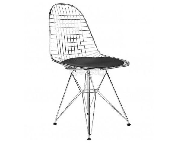 Sillas.Silla inspirada en un diseño de Charles & Ray Eames. Estructura fabricada con barillas de acero tubular cromado inoxidable