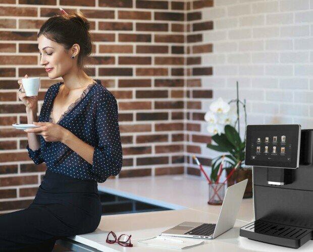 Alquiler de Máquinas de Café para Oficinas.Cafetera automática con pantalla táctil ideal para oficinas o negocios