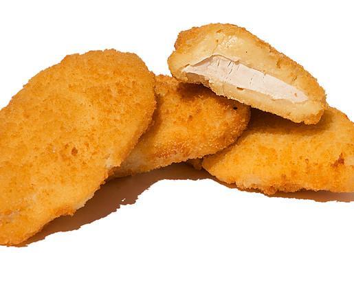 Pechugas Villaroy. Deliciosa pechuga de pollo con nuestro queso fundido y empanado con el mejor pan rallado.