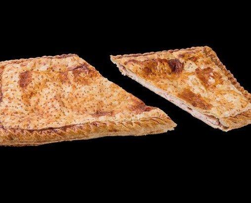 Queso y jamón. Deliciosa empanada