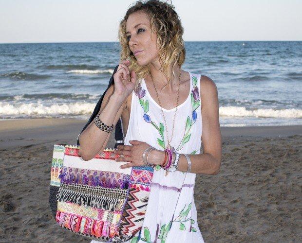 Bolso Playa. Bolso de playa con vestido pintado a mano