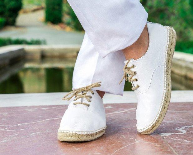 Zapatillas. Desde la 41 hasta la 46 posibilidad de varios modelos en piel y lona textil