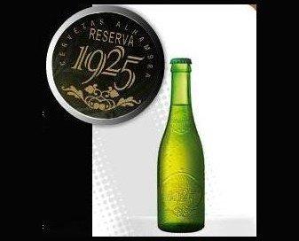 Cerveza. Botellas de Cerveza con Alcohol. Nuestro producto más reconocido, la Cerveza Reserva 25