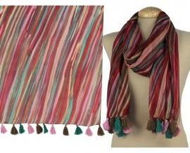 Pañuelos.En tejido estampado. !00 % seda con mini flecos de algodón