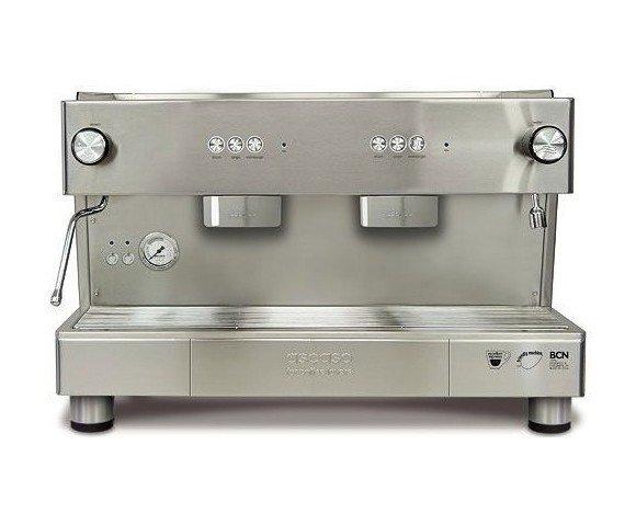 Gama Bar. Construida en acero inoxidable 100% y con un diseño minimalista y funcional