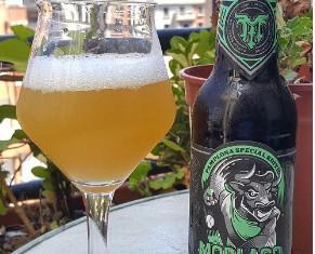 Cerveza Labrit. Cerveza de trigo de la cervecería vasca Morlaco