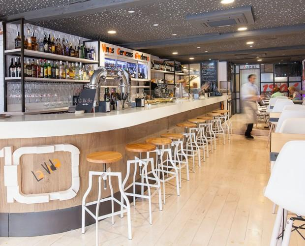 Barras de Bar.Instalación integral de cafetería
