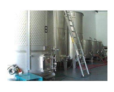 Fermentación. Volcamos la experiencia de trabajar con uva a la producción de nuestros vinos