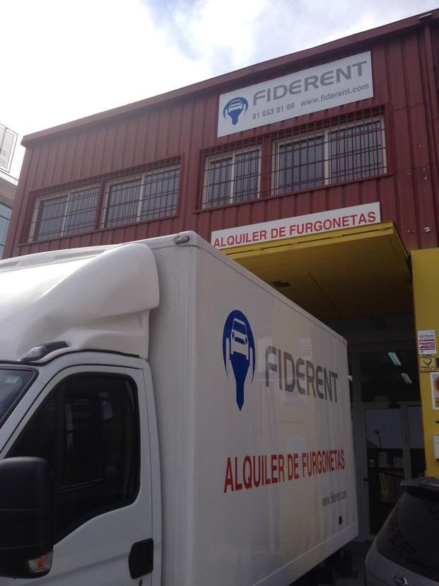 Oficina. Alquiler de furgonetas